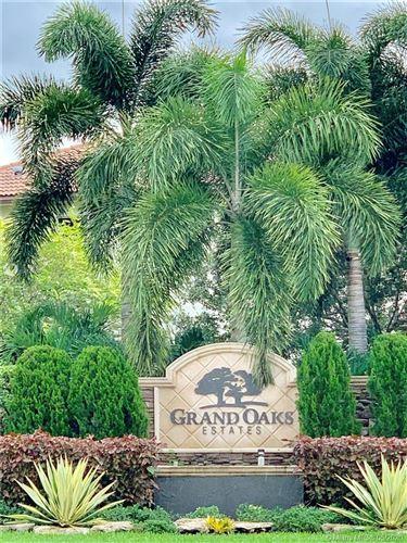 Foto de inmueble con direccion 12762 Grand Oaks Dr Davie FL 33330 con MLS A10858166