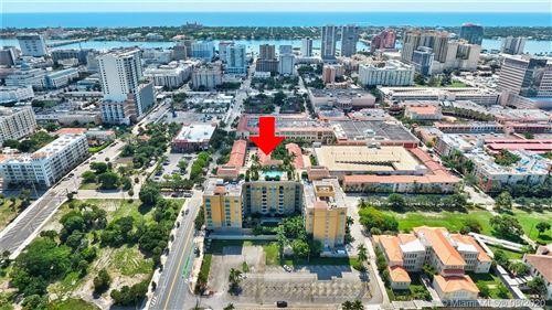 Foto de inmueble con direccion 403 S Sapodilla Ave #PH2-2 802 West Palm Beach FL 33401 con MLS A10864166