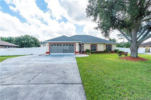 Photo of 2849 SHADOW WOOD CT, Kissimmee, FL 34746 (MLS # A10899167)
