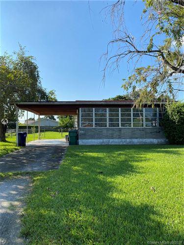 Foto de inmueble con direccion 6460 SW 34th St Miami FL 33155 con MLS A10942167