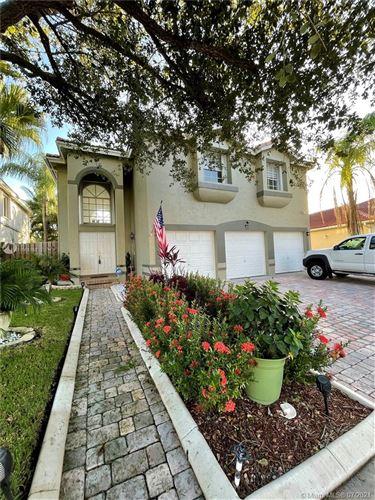 Photo of 109 Gables Blvd, Weston, FL 33326 (MLS # A11065168)