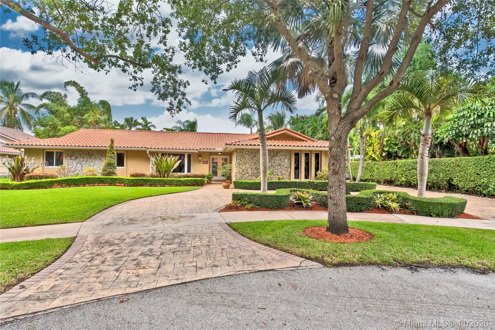 6751 Gleneagle Dr, Miami Lakes, FL 33014 - #: A10872168