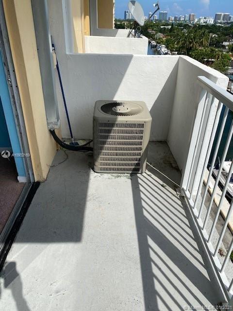 Photo of 2000 NE 135th St #908, North Miami, FL 33181 (MLS # A10932169)