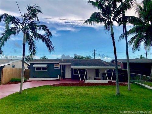Photo of 317 SW 7th St, Hallandale Beach, FL 33009 (MLS # A11112170)