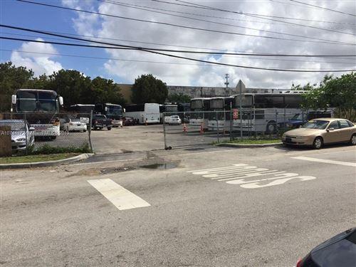 Foto de inmueble con direccion 10257 NW 80th Ct Hialeah Gardens FL 33016 con MLS A10744172