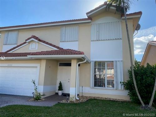Foto de inmueble con direccion 10932 SW 153rd Ave Miami FL 33196 con MLS A10829174