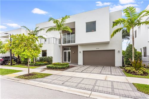 Photo of 10098 NW 74th Ter, Doral, FL 33178 (MLS # A11077174)
