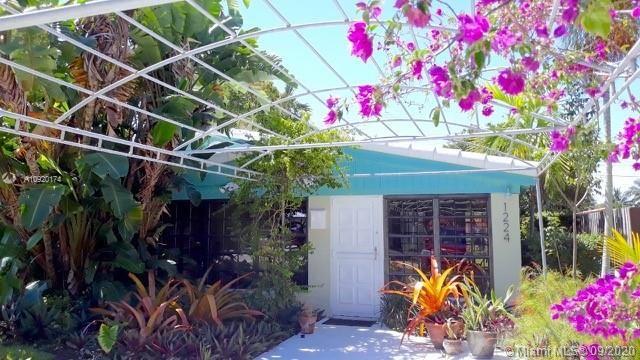 1224 NE 182nd St, North Miami Beach, FL 33162 - #: A10920174