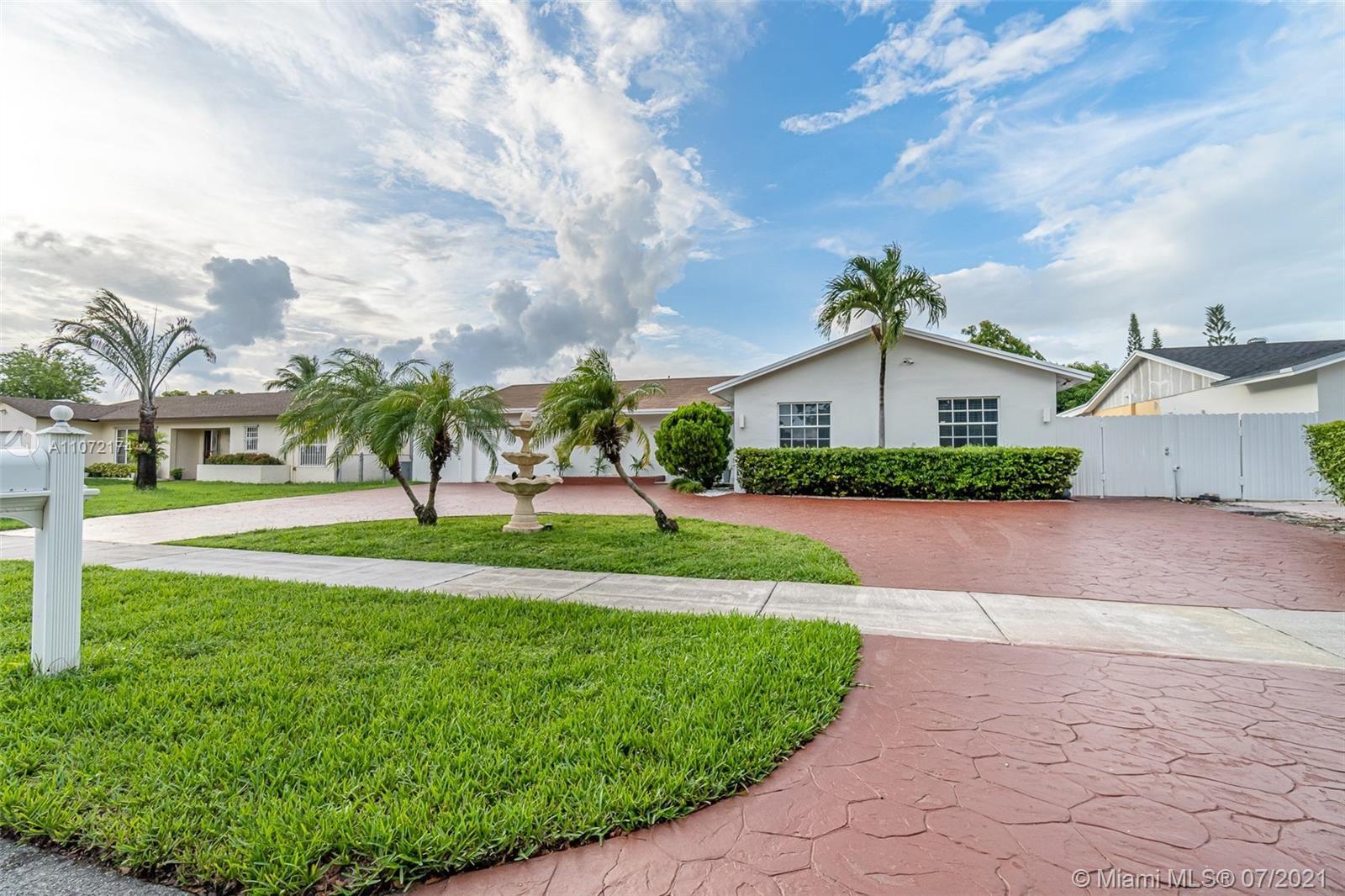 11011 SW 166th Ter, Miami, FL 33157 - #: A11072174