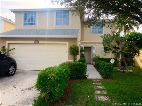 Photo of 305 S Ketch Dr, Sunrise, FL 33326 (MLS # A10935175)