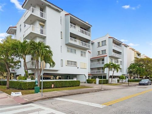 Photo of 49 Majorca Ave #401, Coral Gables, FL 33134 (MLS # A10981176)
