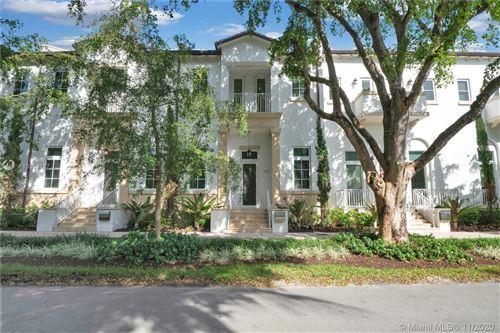 Photo of 639 Santander Ave #4, Coral Gables, FL 33134 (MLS # A10959177)