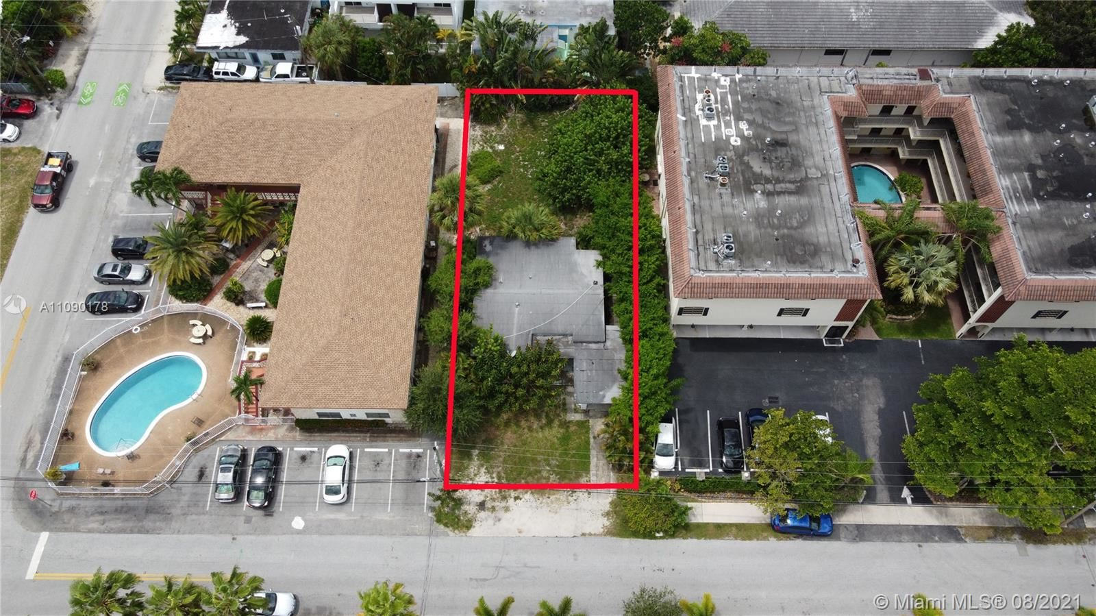 Photo of 907 NE 16th Ave, Fort Lauderdale, FL 33304 (MLS # A11090178)