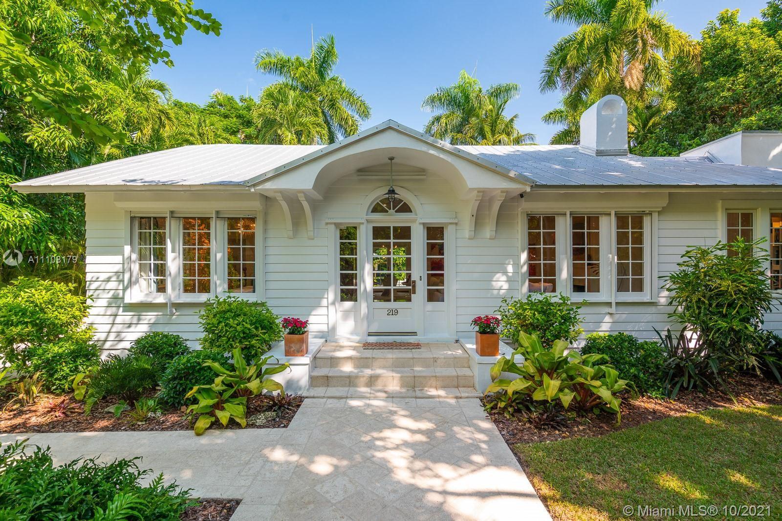Photo of 219 Ridgewood Rd, Coral Gables, FL 33133 (MLS # A11108179)