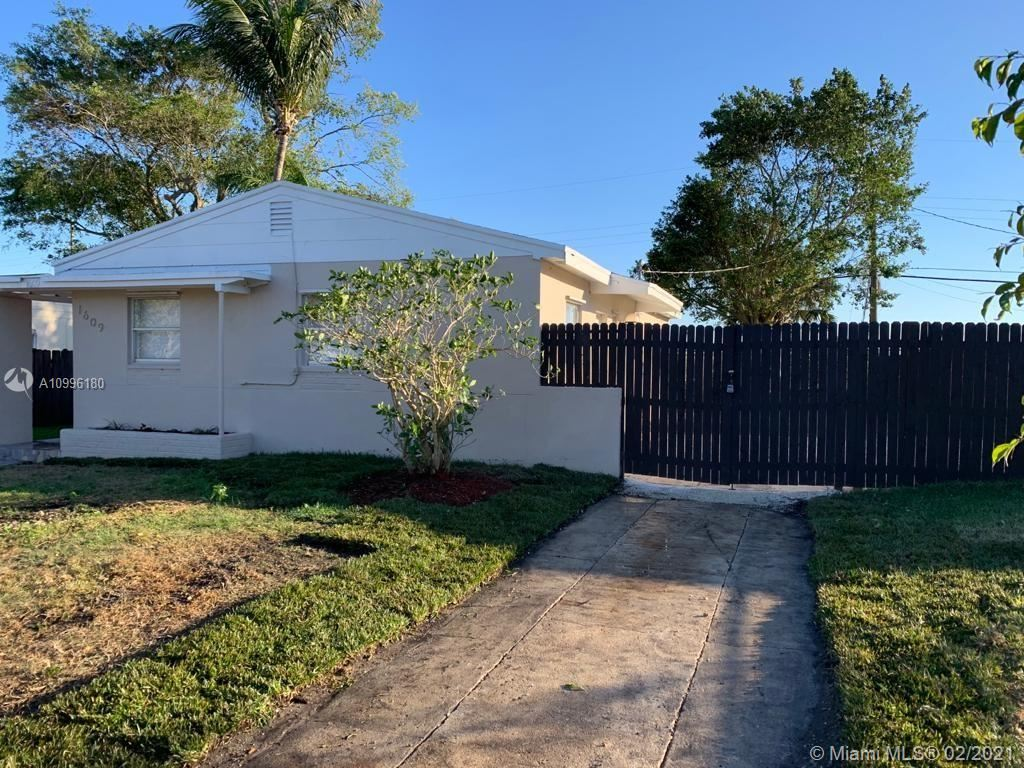 1609 S 15th Ave S, Lake Worth, FL 33460 - #: A10996180