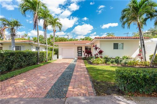 Photo of 421 Sevilla Ave, Coral Gables, FL 33134 (MLS # A11013181)