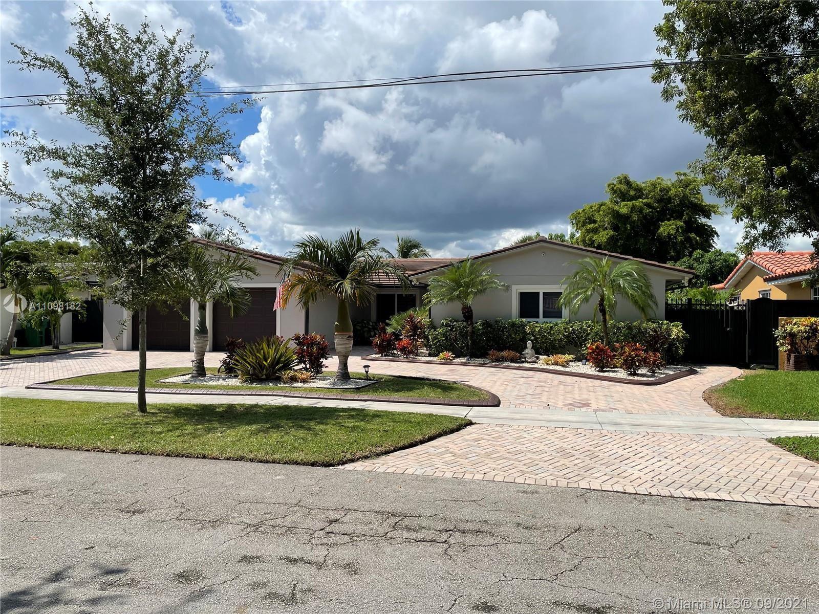 14500 Lake Crescent Pl, Miami Lakes, FL 33014 - #: A11098182
