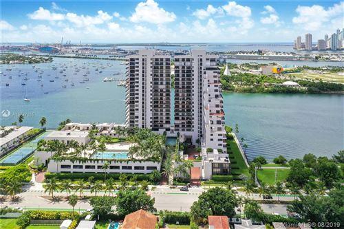 Foto de inmueble con direccion 1000 Venetian Way #1203 Miami FL 33139 con MLS A10727185