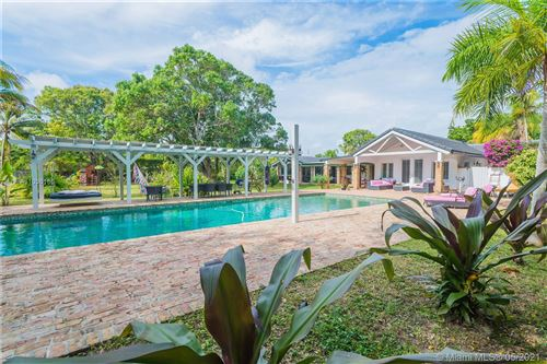 Photo of 7800 SW 115th St, Pinecrest, FL 33156 (MLS # A11036186)