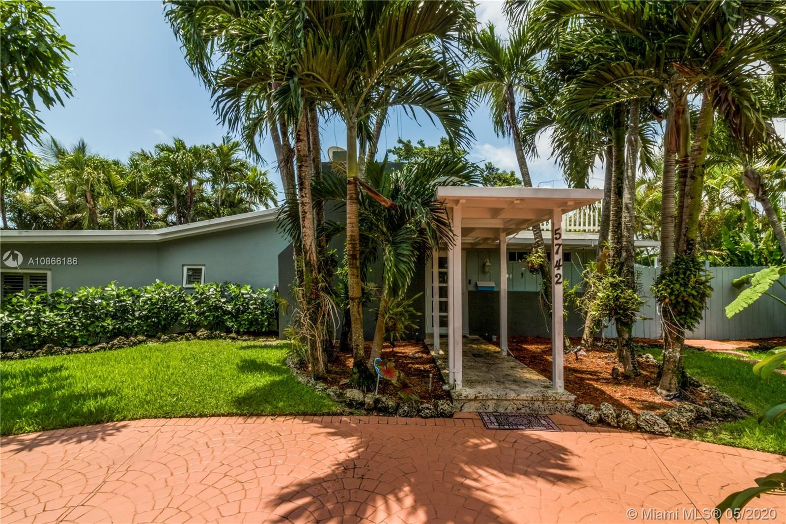 5742 SW 51st Ter, Miami, FL 33155 - #: A10866186