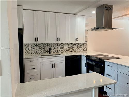 Photo of Listing MLS a10892187 in 331 Lakeview Dr #205 Weston FL 33326