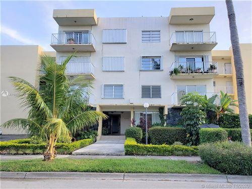 Photo of North Miami Beach, FL 33160 (MLS # A10930189)