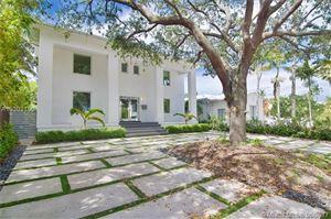 Foto de 777 Lakeview Dr, Miami Beach, FL 33140 (MLS # A10303190)
