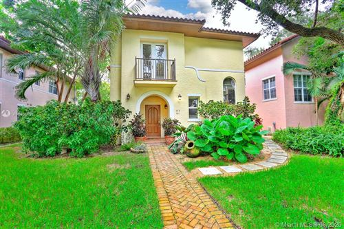 Photo of 493 Menendez Ave #12, Coral Gables, FL 33146 (MLS # A10906191)