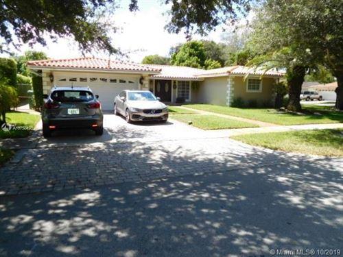 Foto de inmueble con direccion 6799 Parkinsonia Dr Miami Lakes FL 33014 con MLS A10750192
