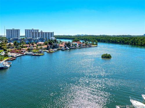 Foto de inmueble con direccion 400 Sunny Isles,2 Story #107 Sunny Isles Beach FL 33160 con MLS A10809192