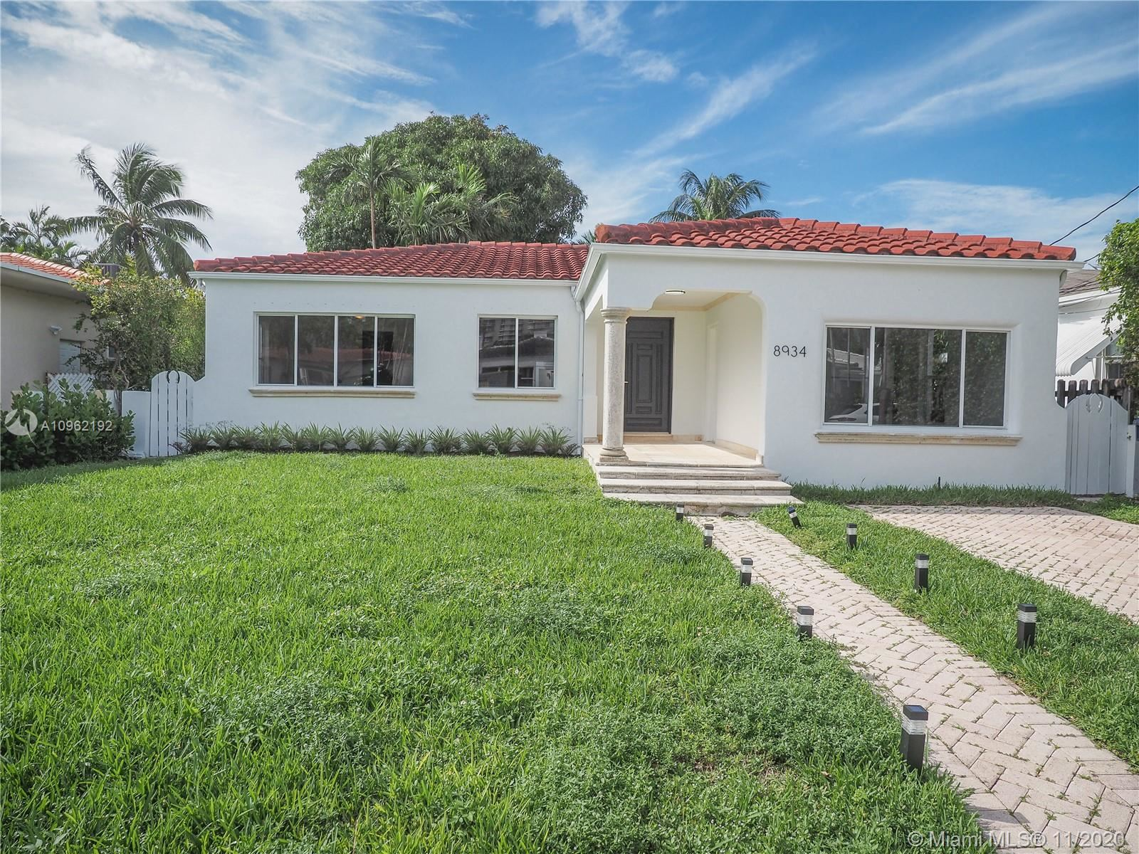 8934 Carlyle Ave, Surfside, FL 33154 - #: A10962192