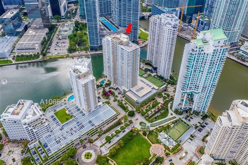 Foto de inmueble con direccion 801 Brickell Key Blvd #1404 Miami FL 33131 con MLS A10665193