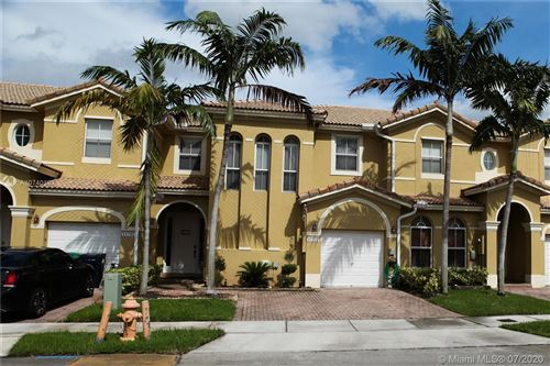 Foto de inmueble con direccion 11751 SW 137th Pl Miami FL 33186 con MLS A10740193