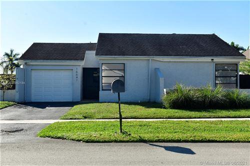 Photo of 16641 SW 5th Ct, Weston, FL 33326 (MLS # A10982194)