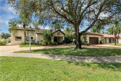 Photo of Listing MLS a10792195 in 14240 Glencairn Rd Miami Lakes FL 33016