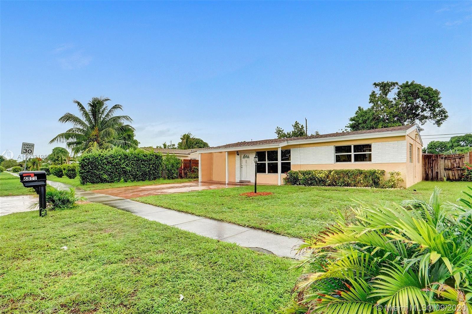 Photo of 6811 SW 27th Ct, Miramar, FL 33023 (MLS # A10933195)