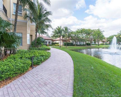 Foto de inmueble con direccion 16102 Emerald Estates Dr #428 Weston FL 33331 con MLS A10850197