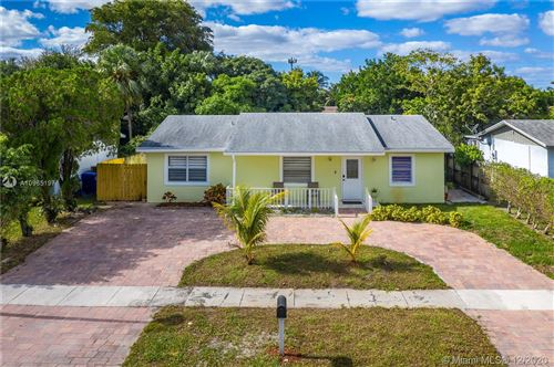 Photo of 401 SW 76th Ter, North Lauderdale, FL 33068 (MLS # A10965197)