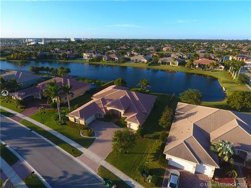 Photo of 15169 SW 40th St, Davie, FL 33331 (MLS # A10981197)