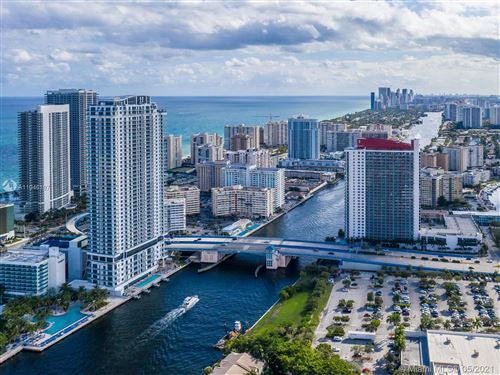 Photo of Hollywood, FL 33019 (MLS # A11046197)
