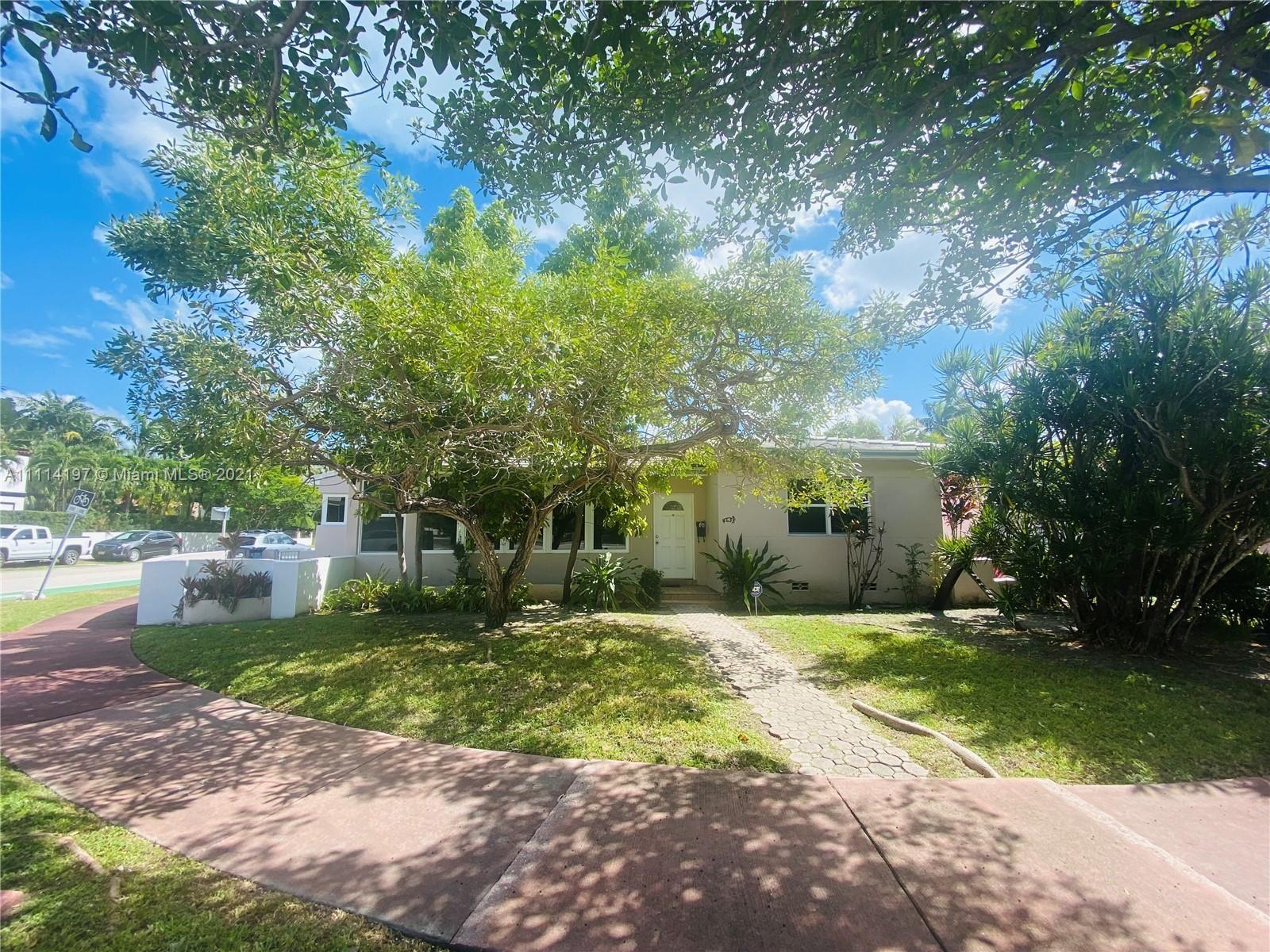 Photo of 4635 Alton Rd, Miami Beach, FL 33140 (MLS # A11114197)