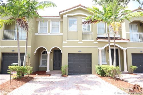 Photo of Listing MLS a10845198 in 2516 SE 15 Ct Homestead FL 33035