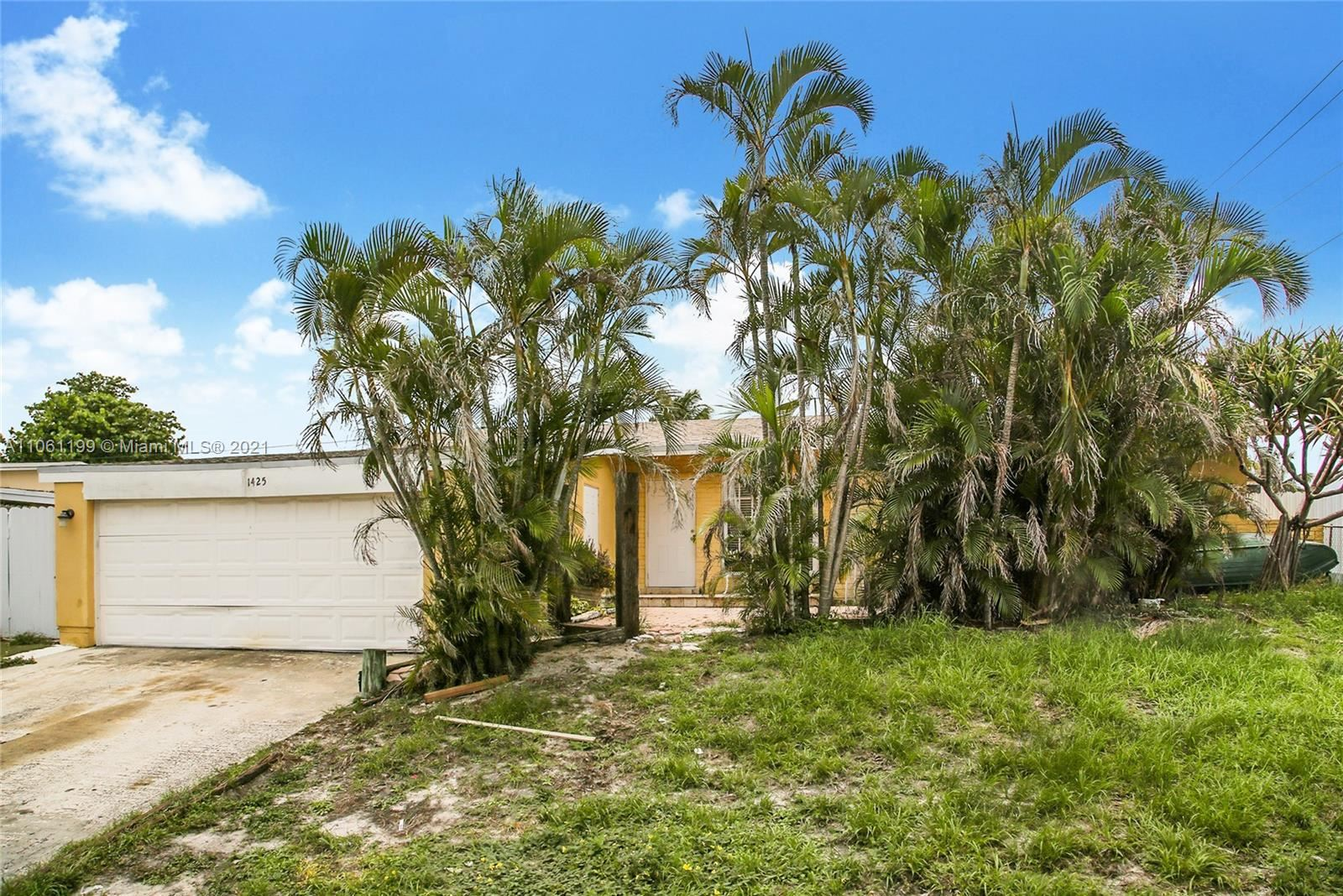 1425 Hillcrest Dr, Lake Worth, FL 33461 - #: A11061199