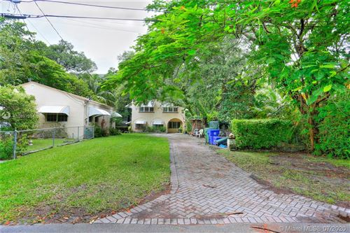 Photo of Listing MLS a10897201 in 2567 Inagua Ave Coconut Grove FL 33133