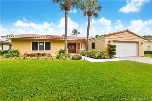 Photo of 8241 Dundee Ter, Miami Lakes, FL 33016 (MLS # A10923201)