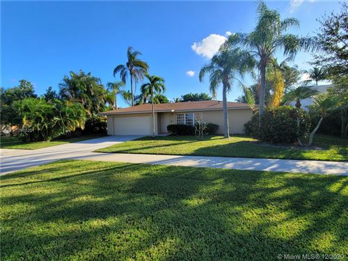 Photo of 4892 S Willow Dr, Boca Raton, FL 33487 (MLS # A10975201)