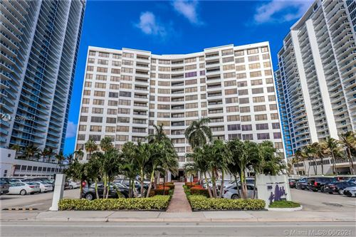 Photo of 3505 S Ocean Dr #817, Hollywood, FL 33019 (MLS # A10998201)