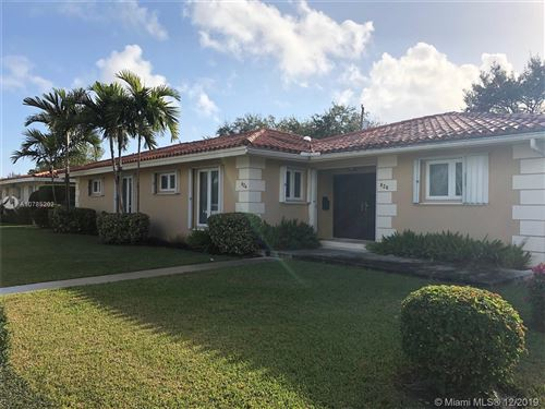 Photo of 826 Benevento Ave #824, Coral Gables, FL 33146 (MLS # A10785202)
