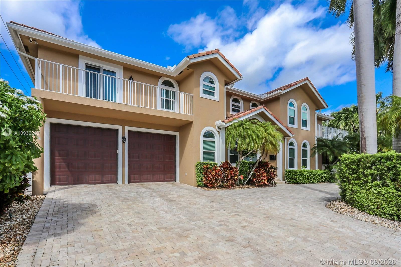Photo of 850 N 11th Ave, Hollywood, FL 33019 (MLS # A10932202)