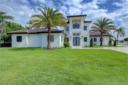 Foto de inmueble con direccion 12250 SW 103rd Ter Miami FL 33186 con MLS A10878203